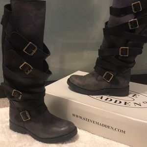 LIKE NEW knee high Steve Madden boots